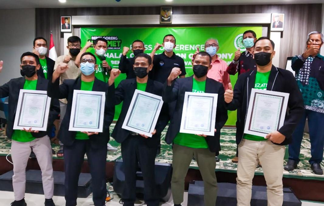 Press Conference Halal Certification Ceremony Bebek Goreng H. Slamet by Waroeng Group